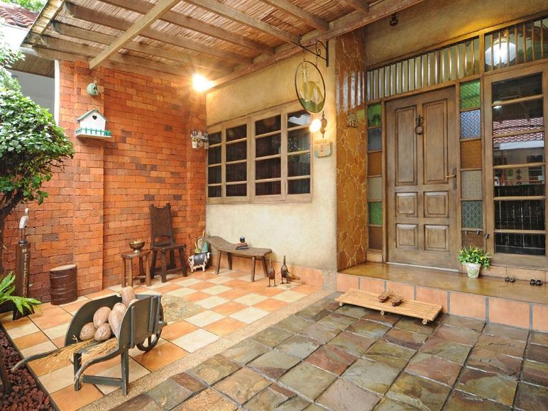 contoh warna motif lantai keramik teras rumah minimalis